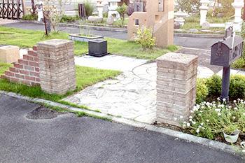 石の門柱・ポスト